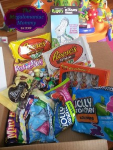 Hopping Down the #BunnyTrail with HERSHEY'S {Craft & Recipe}