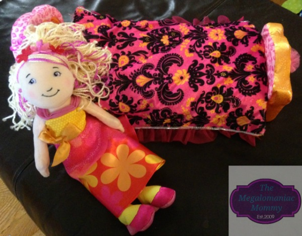 Groovy Girls Princess Dahlia and Royally Ritzy Bed Manhattan Toy Company