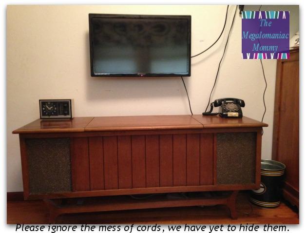 SANUS VSF415 TV Mount in Use