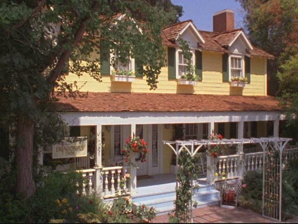 Dragonfly Inn Gilmore Girls