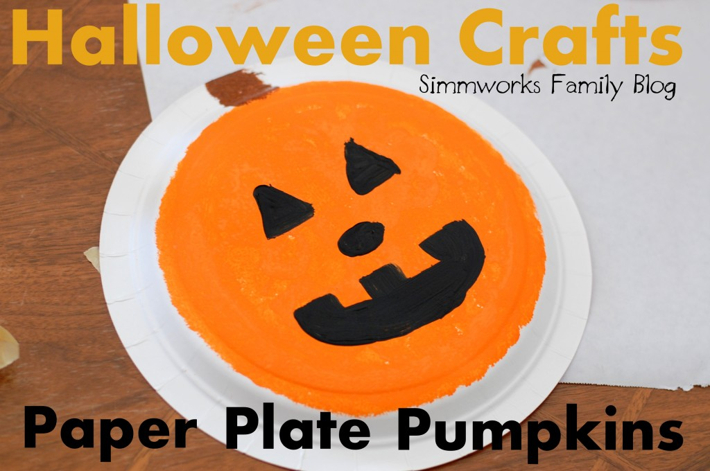 Paper Plate Pumpkins from Simmworks Family Blog