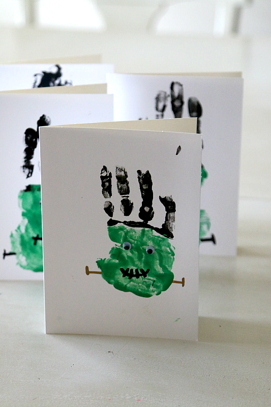 Frankenstein Handprint Craft from MomDot.com