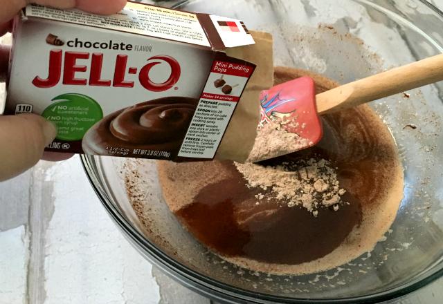 adding the pudding