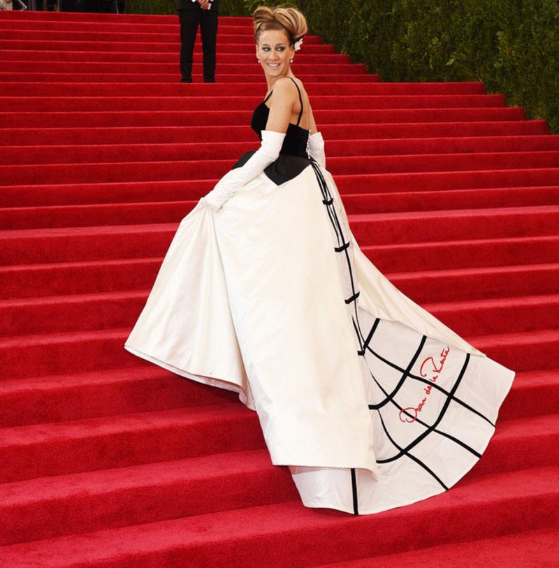 Sarah Jessica Parker in Oscar de la Renta at the Met Gala